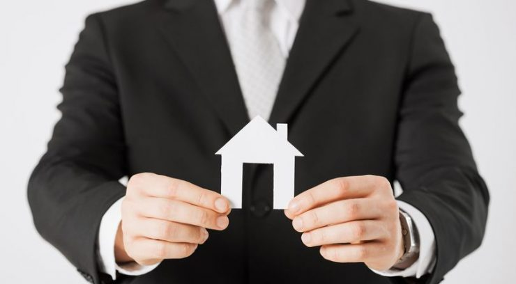 image of a mortgage broker